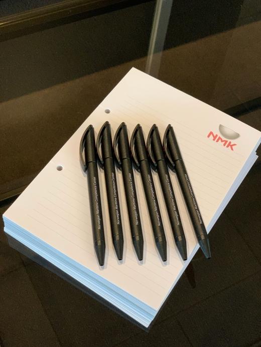 Har du glemt penn og papir, har vi det tilgjengelig.
