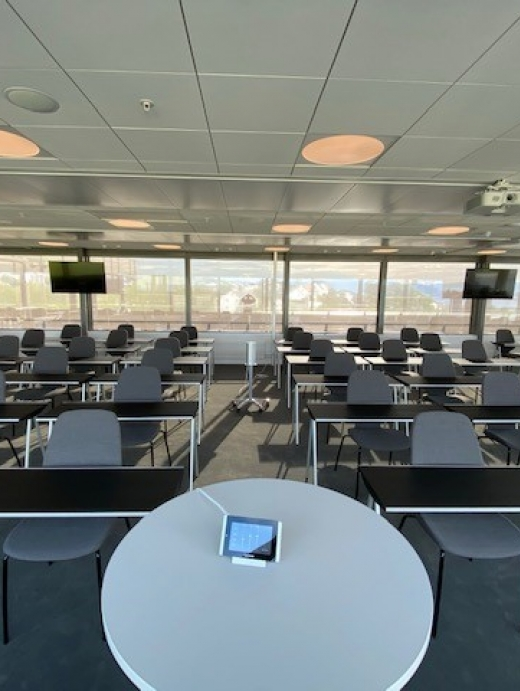 God plass til både foredragsholder og gjester